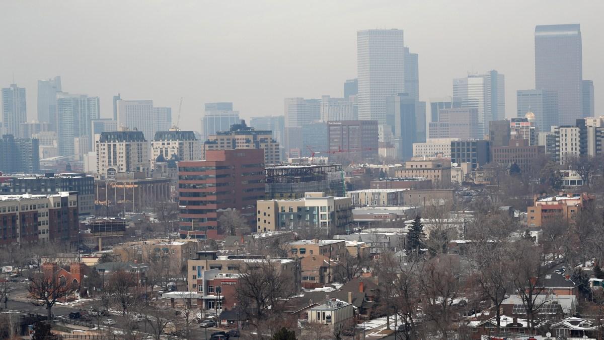 air pollution Denver EPA World Health Organization ozone brown cloud PM2.5 particulates downtown